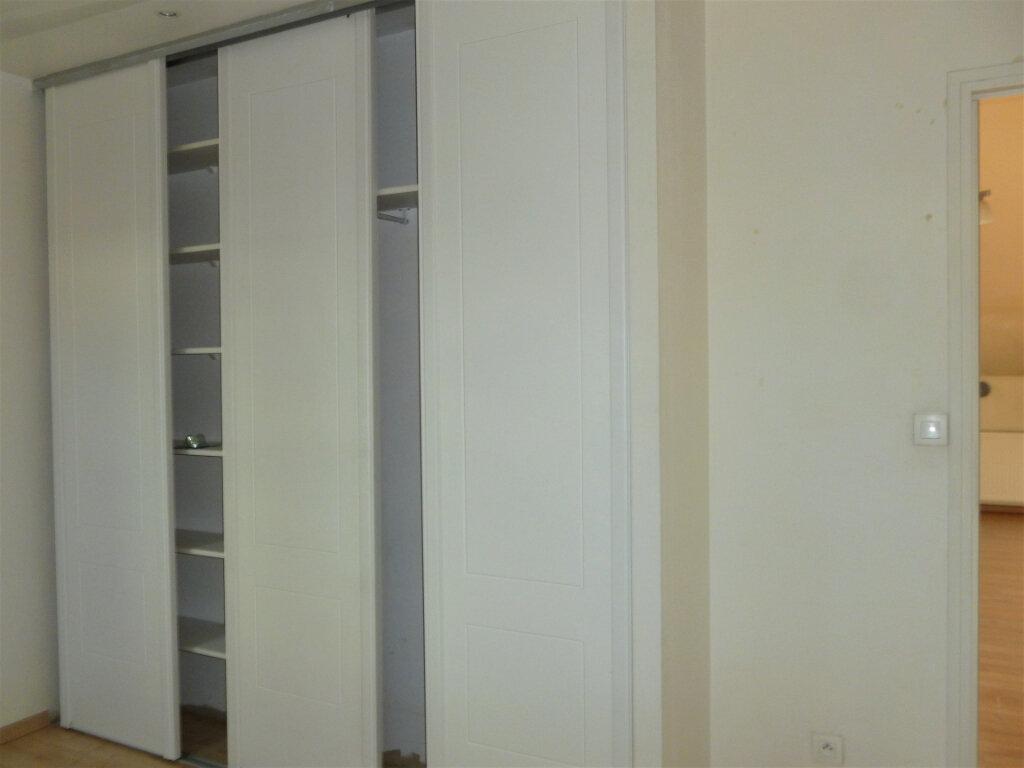 Appartement à louer 2 55.76m2 à Reims vignette-13