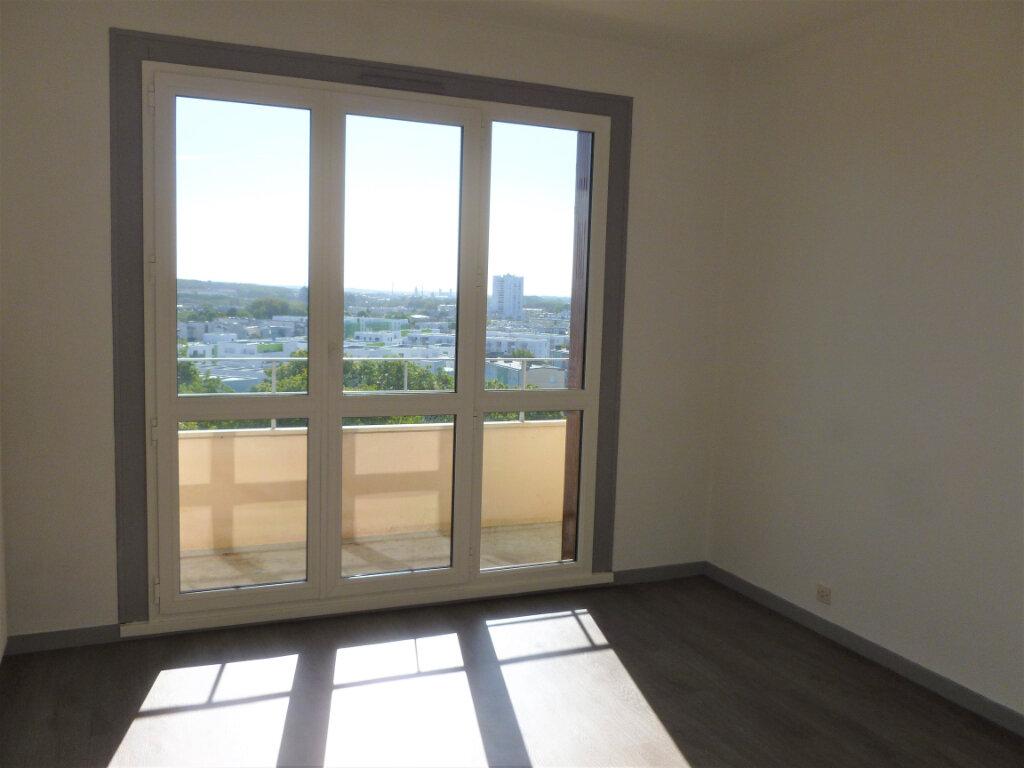Appartement à louer 2 54.8m2 à Reims vignette-5