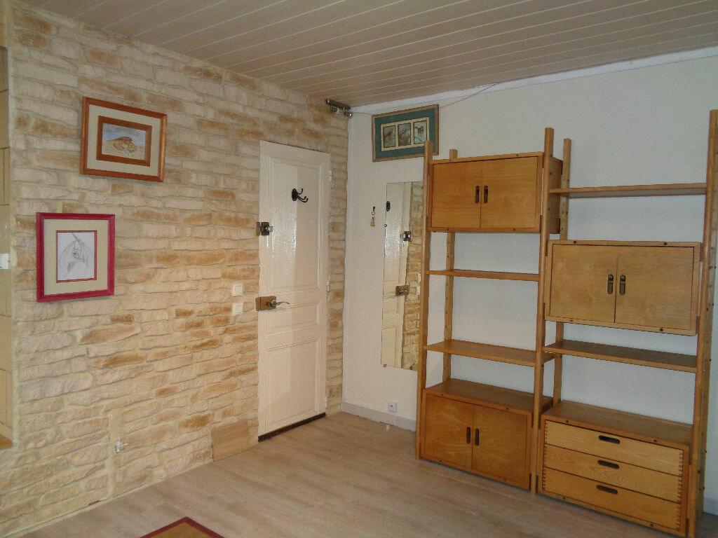 Appartement à louer 2 37.26m2 à Reims vignette-3