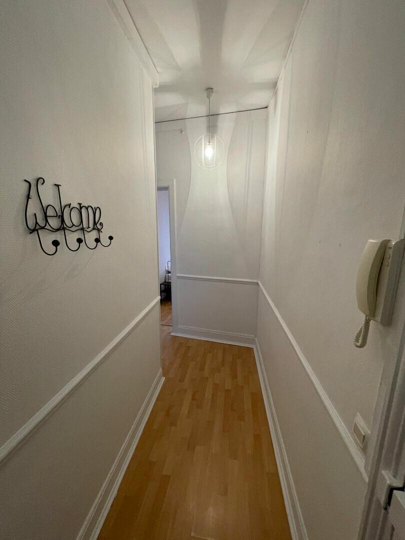 Appartement à louer 2 42.09m2 à Reims vignette-8