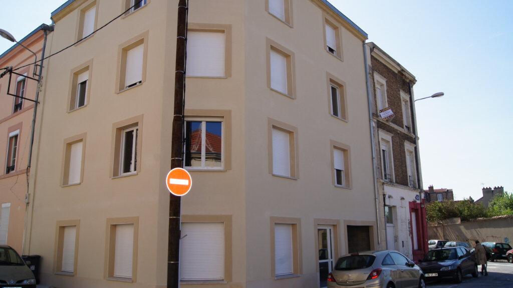 Appartement à louer 2 44m2 à Reims vignette-2