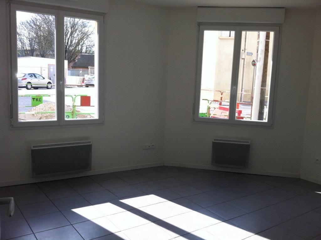 Appartement à louer 2 44m2 à Reims vignette-3