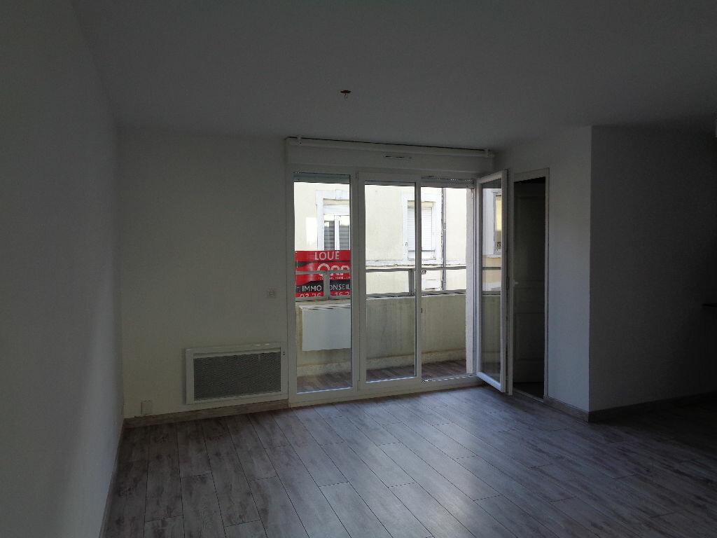 Appartement à louer 2 34.55m2 à Reims vignette-1