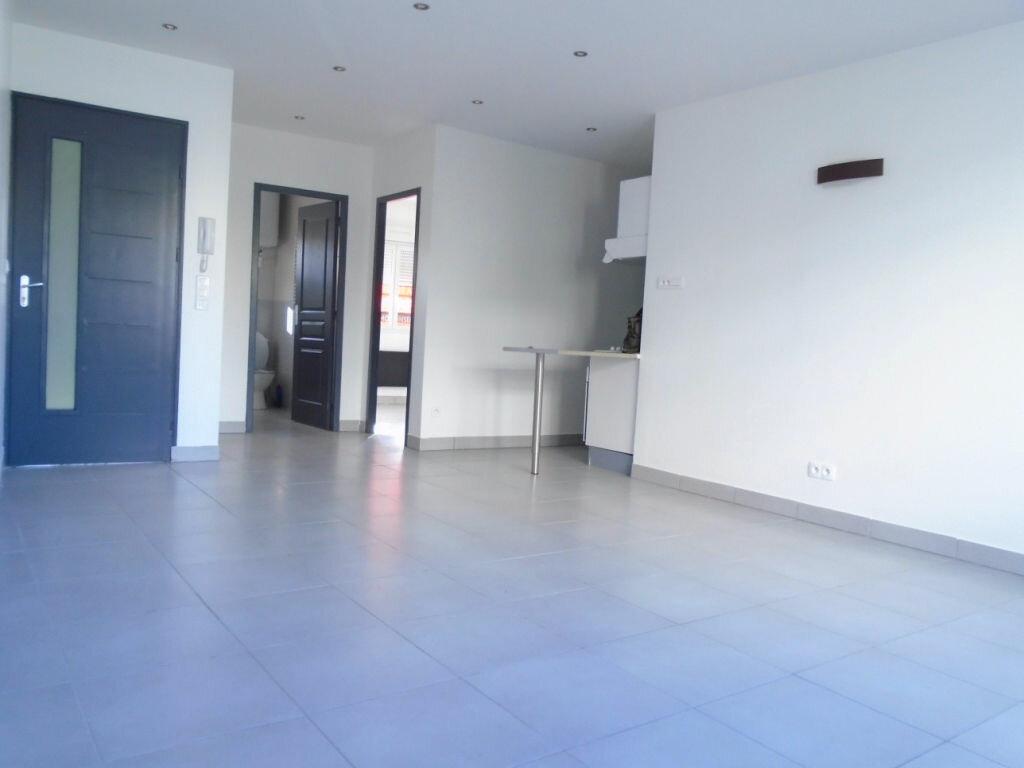 Appartement à louer 2 46m2 à Reims vignette-1