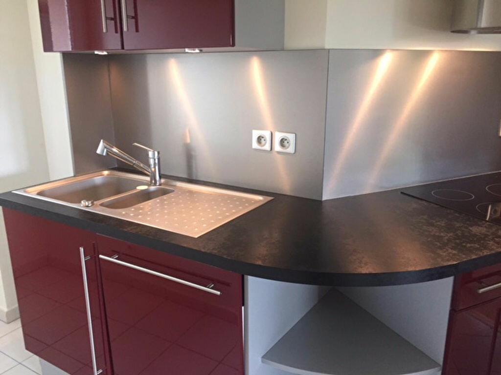 Appartement à louer 3 71m2 à Reims vignette-5