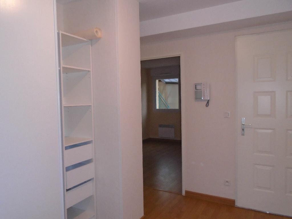 Appartement à louer 3 71m2 à Reims vignette-9
