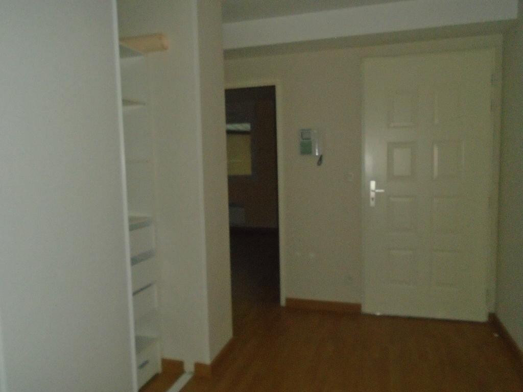 Appartement à louer 3 71m2 à Reims vignette-10