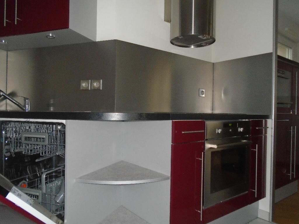 Appartement à louer 3 71m2 à Reims vignette-13