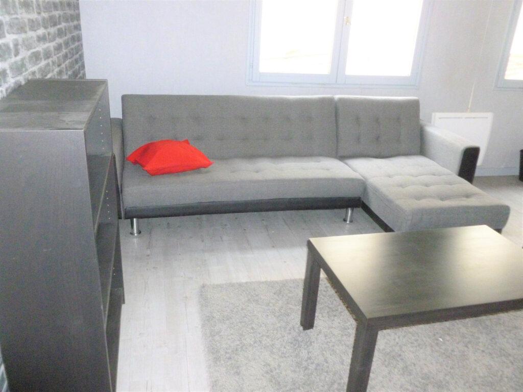 Appartement à louer 1 29m2 à Reims vignette-3