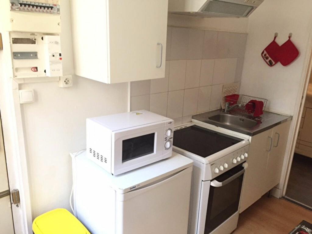 Appartement à louer 1 22m2 à Reims vignette-3