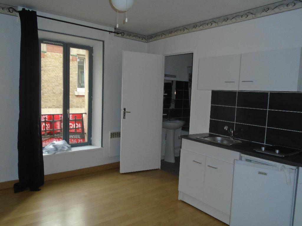 Appartement à louer 1 16.5m2 à Reims vignette-1