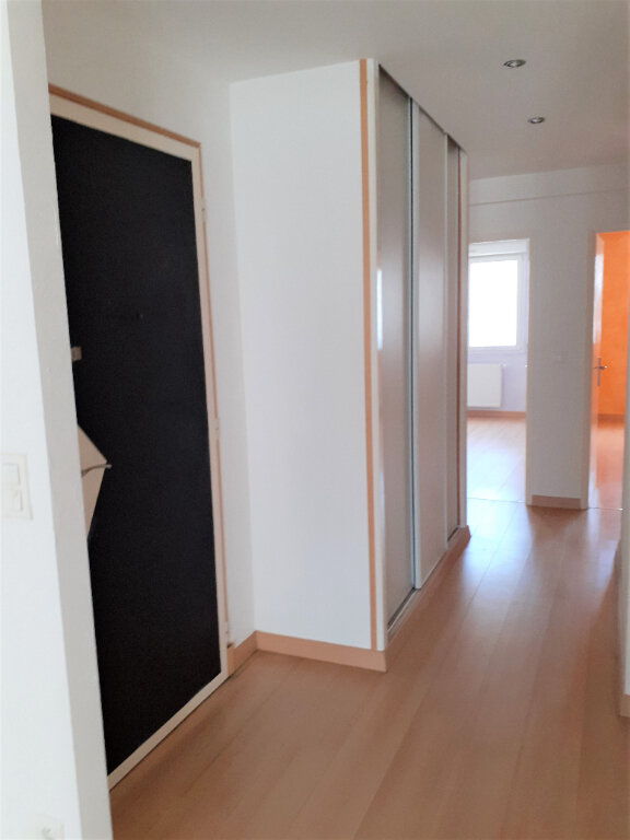 Appartement à louer 3 73m2 à Reims vignette-5