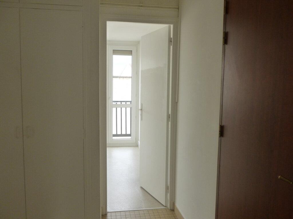 Appartement à louer 3 53m2 à Reims vignette-4