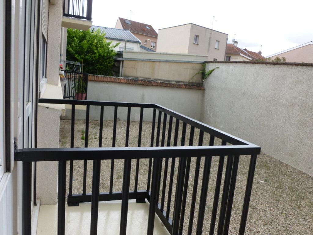 Appartement à louer 3 53m2 à Reims vignette-5