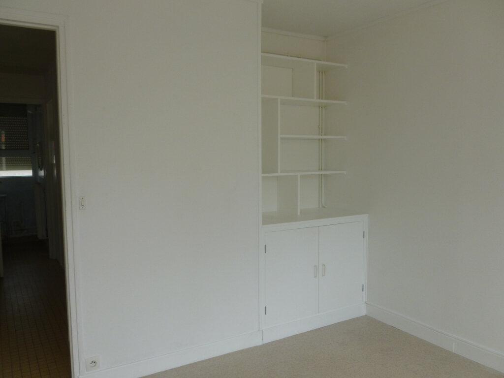 Appartement à louer 3 53m2 à Reims vignette-6