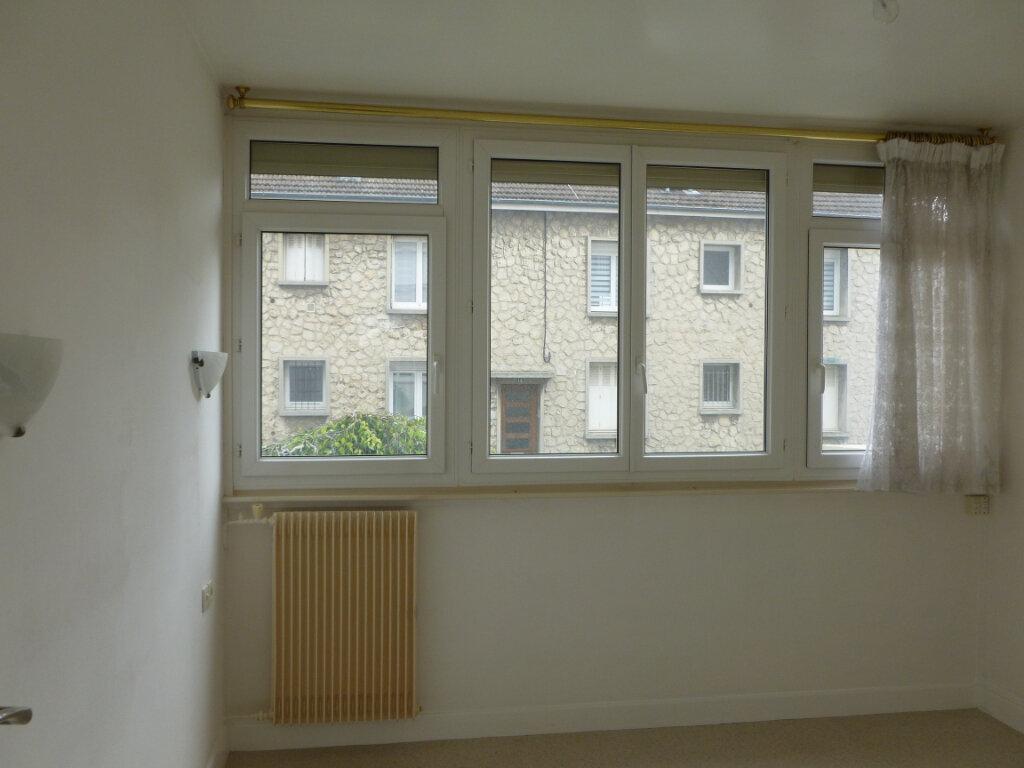 Appartement à louer 3 53m2 à Reims vignette-10