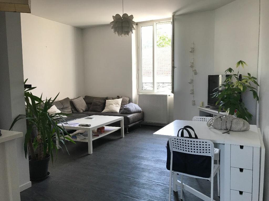 Appartement à louer 3 70.55m2 à Reims vignette-1