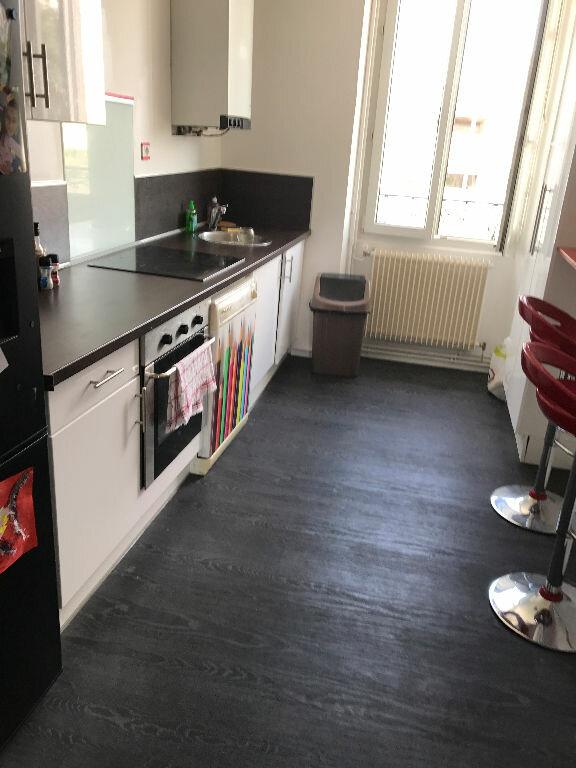 Appartement à louer 3 70.55m2 à Reims vignette-3
