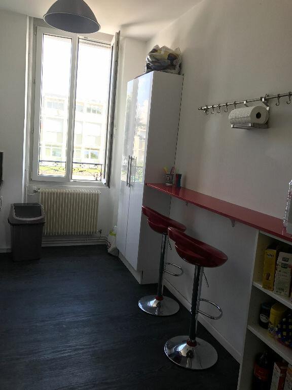 Appartement à louer 3 70.55m2 à Reims vignette-4