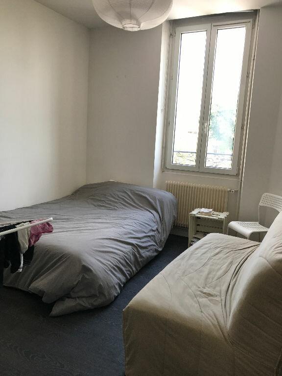 Appartement à louer 3 70.55m2 à Reims vignette-6