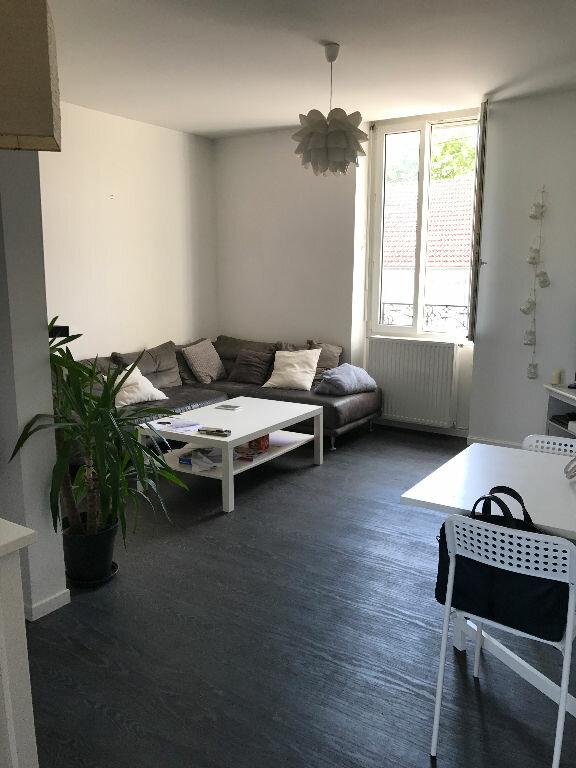Appartement à louer 3 70.55m2 à Reims vignette-7