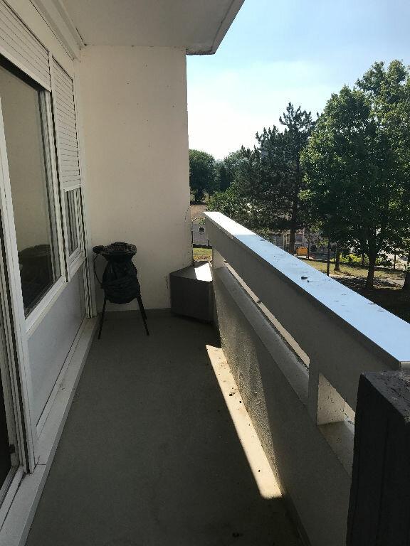 Appartement à louer 1 30.4m2 à Reims vignette-3