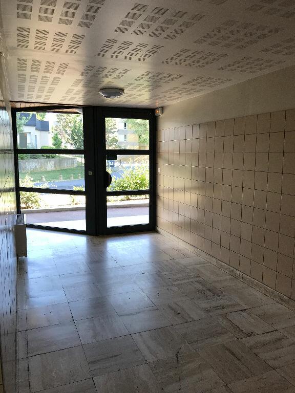Appartement à louer 1 30.4m2 à Reims vignette-9