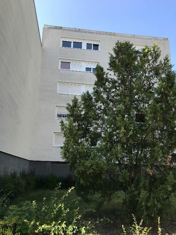 Appartement à louer 1 30.4m2 à Reims vignette-11