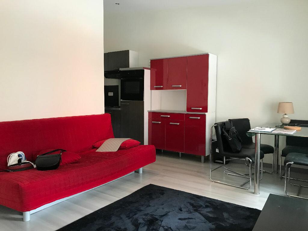 Appartement à louer 2 31.1m2 à Reims vignette-7