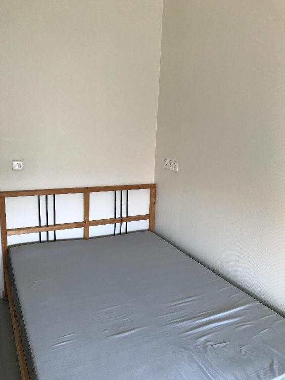 Appartement à louer 2 31.1m2 à Reims vignette-10