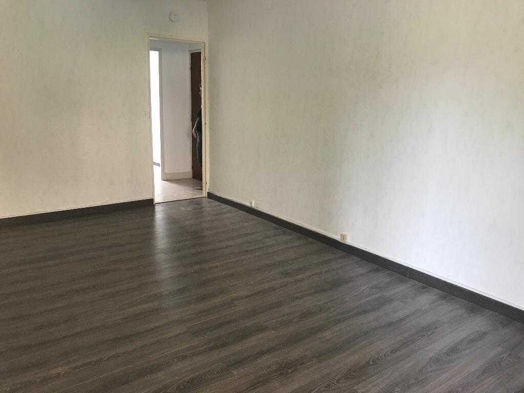 Appartement à louer 1 34.82m2 à Reims vignette-1