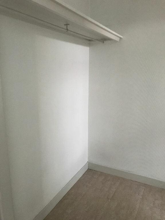 Appartement à louer 1 34.82m2 à Reims vignette-9