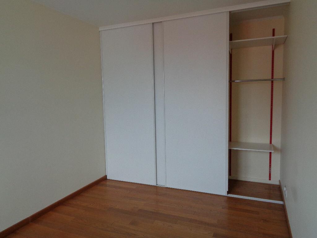 Appartement à louer 2 42.17m2 à Reims vignette-2