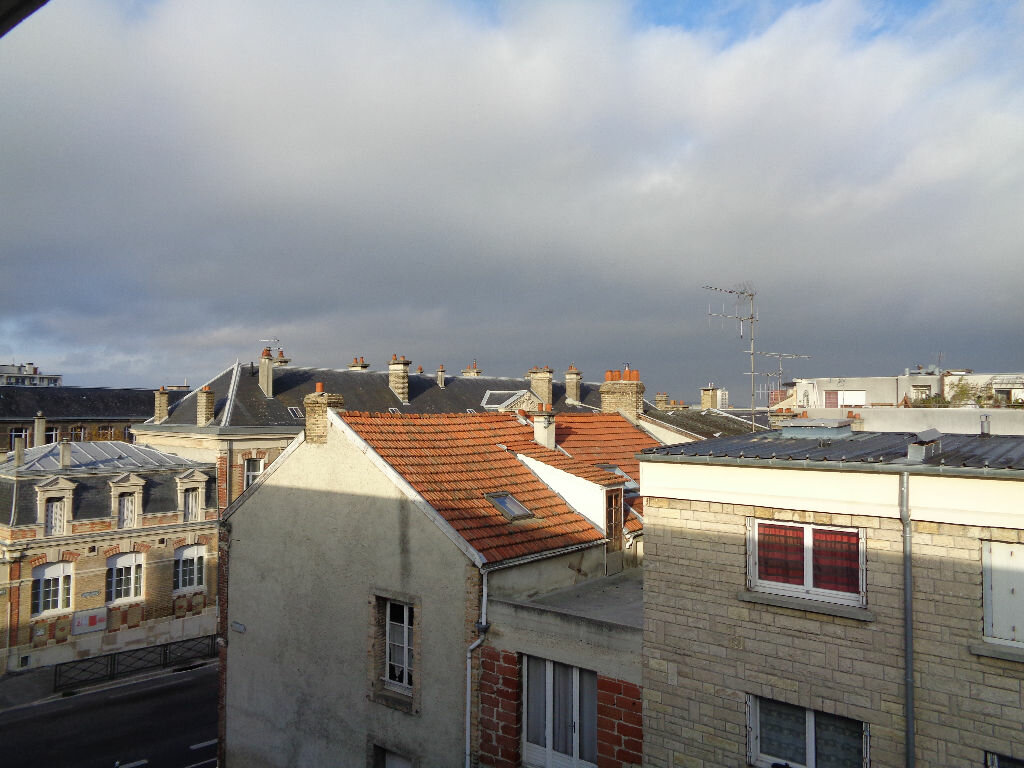 Appartement à louer 2 42.17m2 à Reims vignette-5