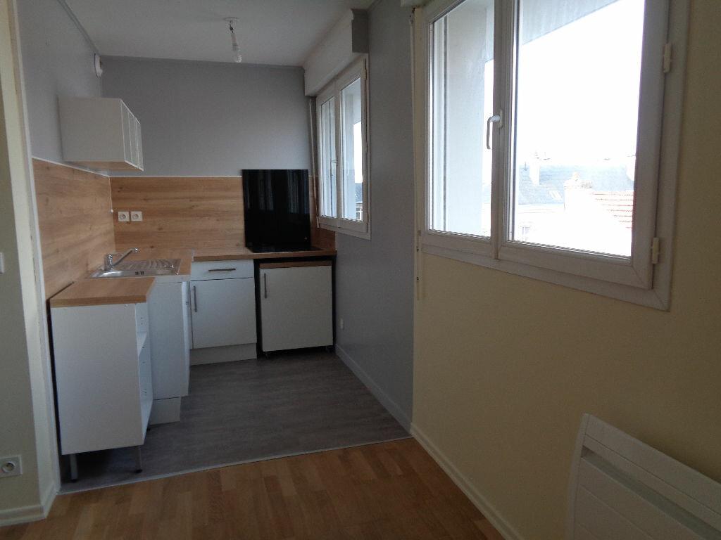 Appartement à louer 2 42.17m2 à Reims vignette-7