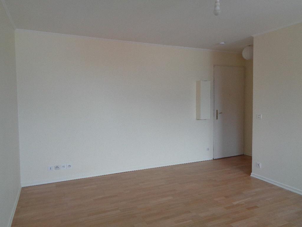 Appartement à louer 2 42.17m2 à Reims vignette-8