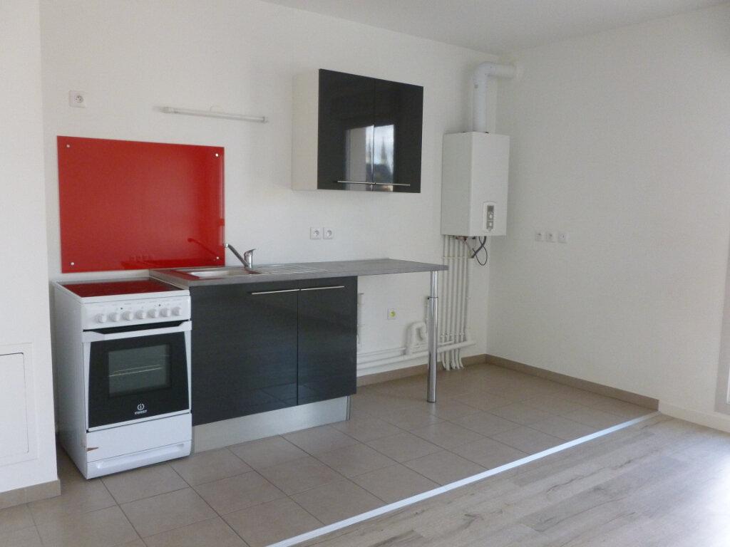 Appartement à louer 1 38.1m2 à Reims vignette-1