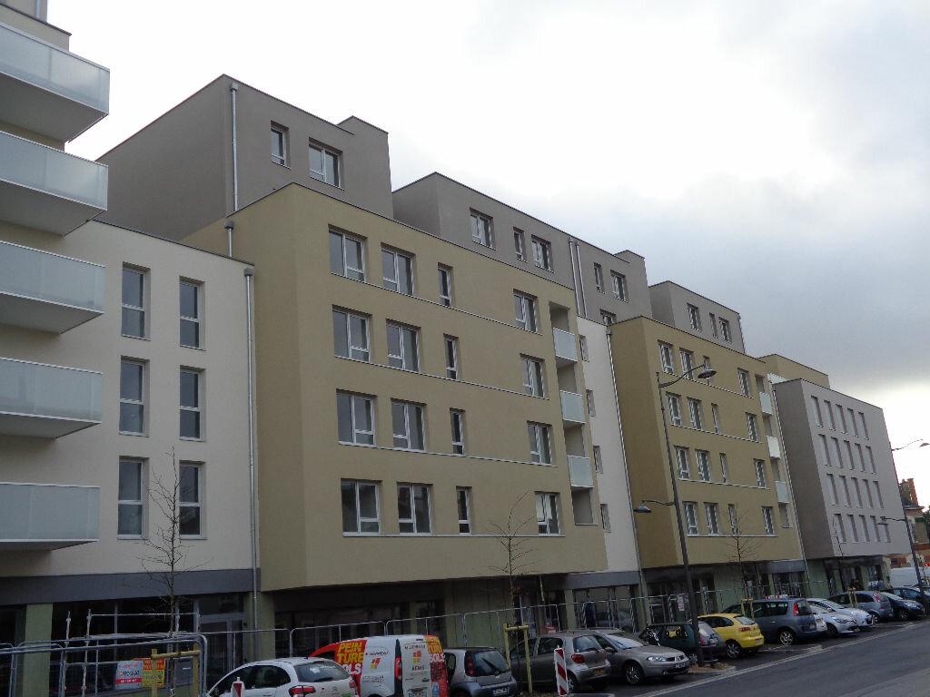 Appartement à louer 1 38.1m2 à Reims vignette-3