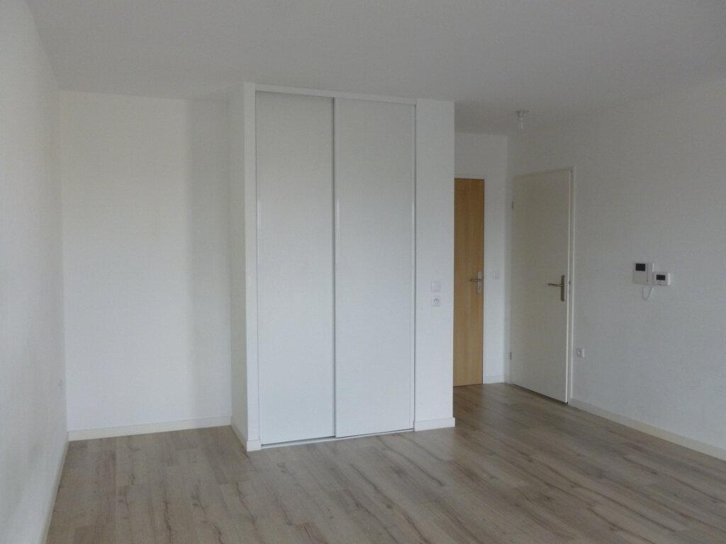 Appartement à louer 1 38.1m2 à Reims vignette-5