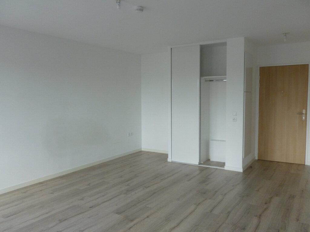 Appartement à louer 1 38.1m2 à Reims vignette-6