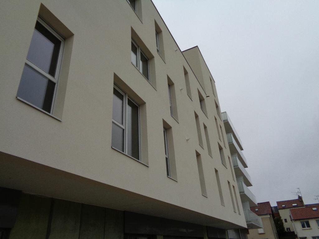 Appartement à louer 1 38.1m2 à Reims vignette-8