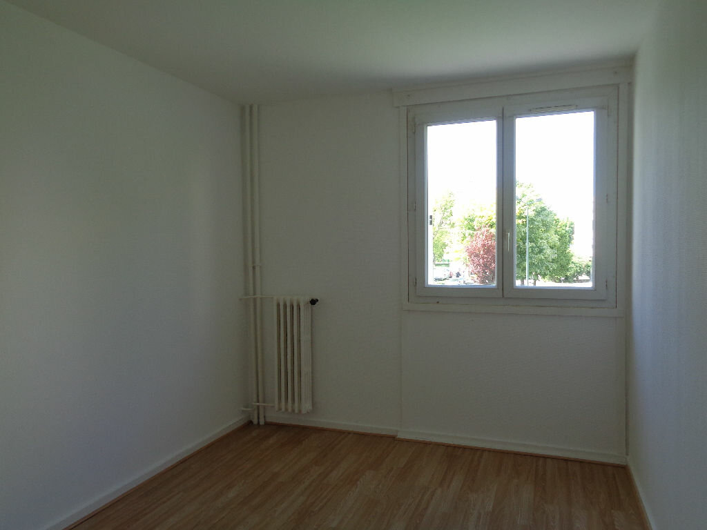 Appartement à louer 3 58.15m2 à Reims vignette-8