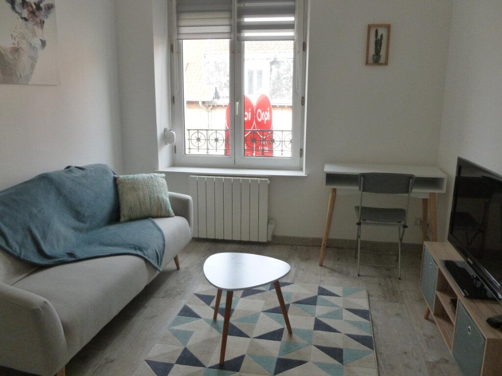Appartement à louer 2 25.49m2 à Reims vignette-2