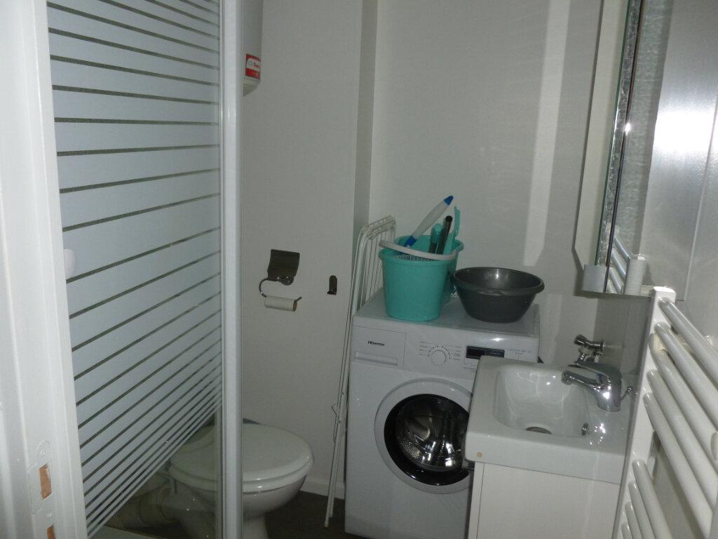Appartement à louer 2 25.49m2 à Reims vignette-7