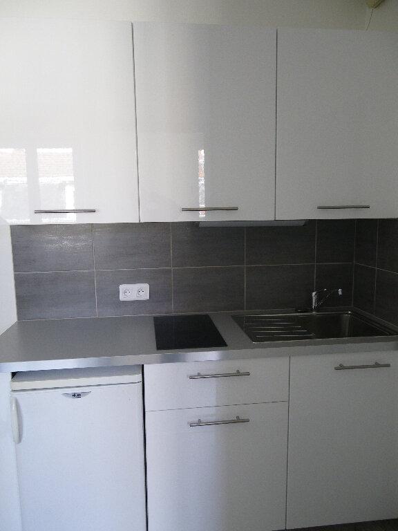 Appartement à louer 2 25.49m2 à Reims vignette-15