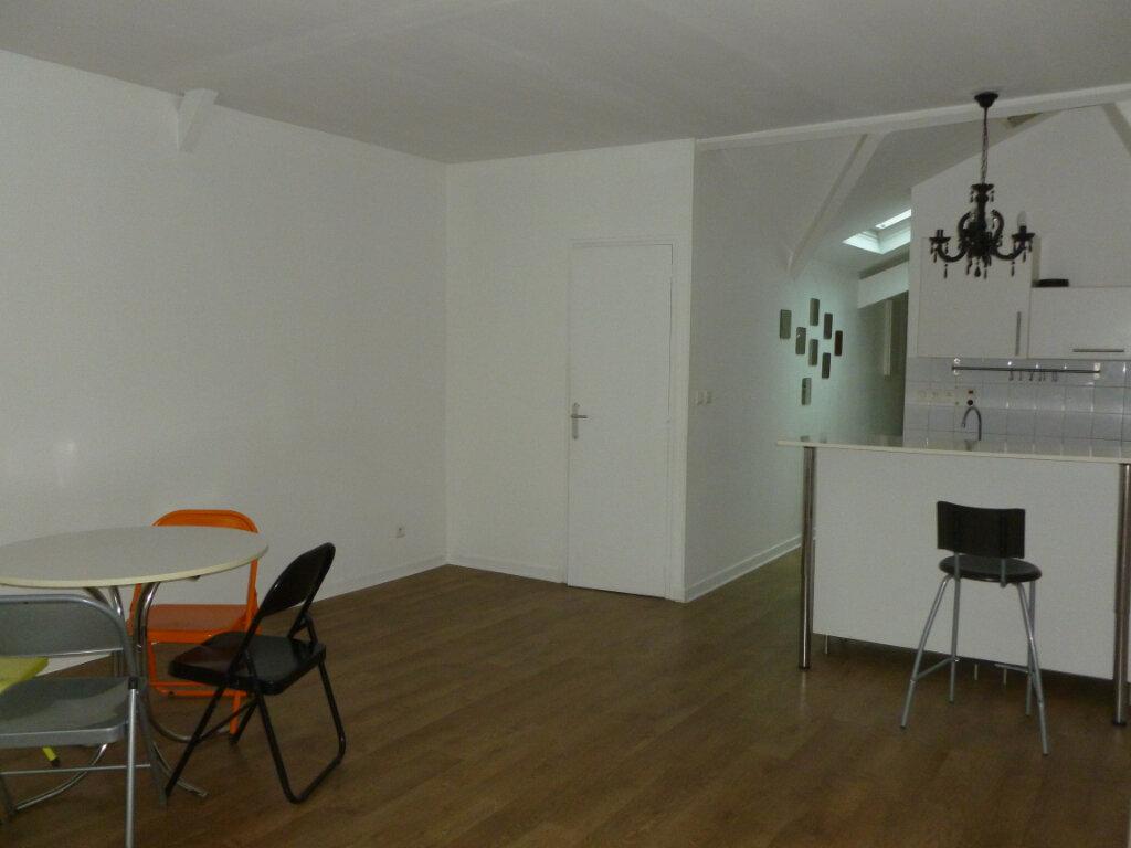 Appartement à louer 1 48m2 à Reims vignette-2