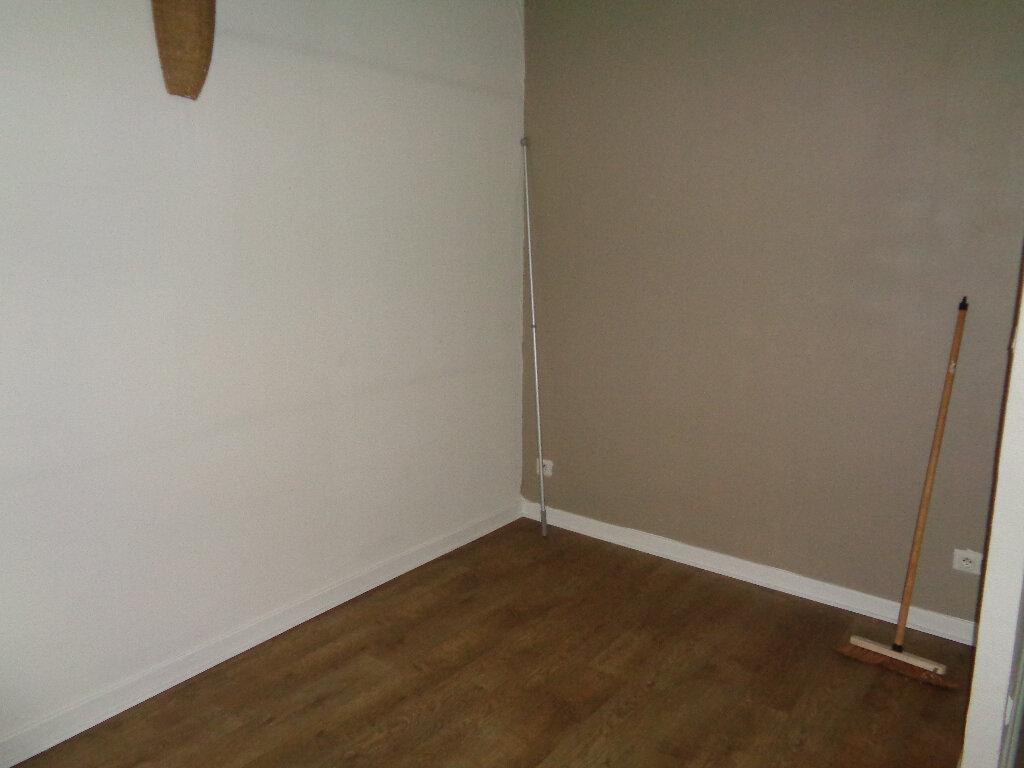 Appartement à louer 1 48m2 à Reims vignette-6