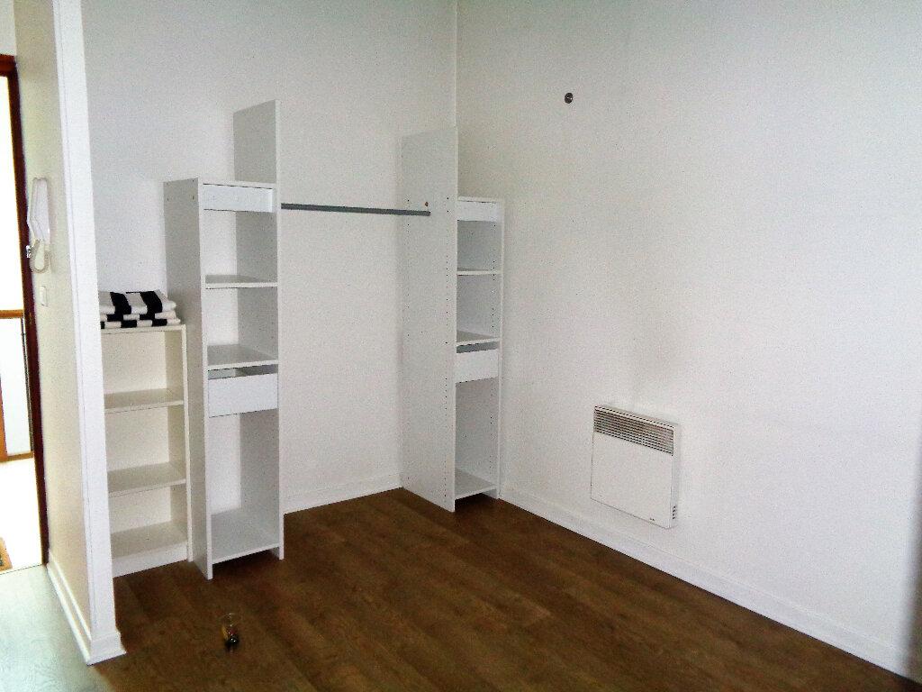Appartement à louer 1 48m2 à Reims vignette-7