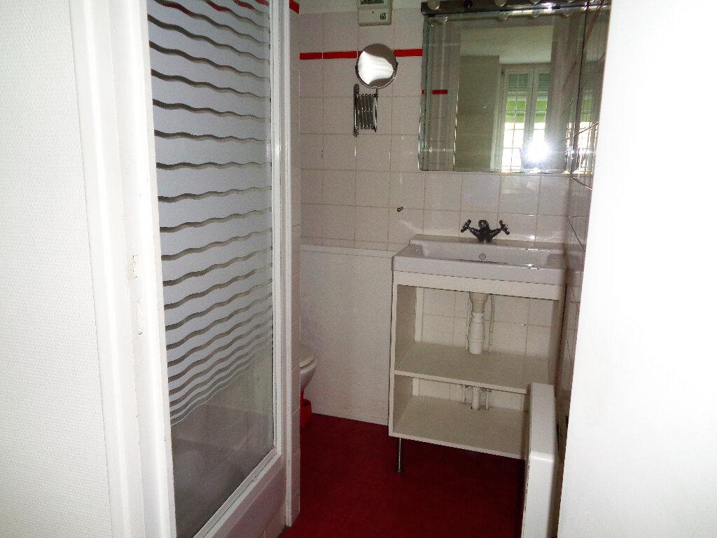 Appartement à louer 1 48m2 à Reims vignette-11
