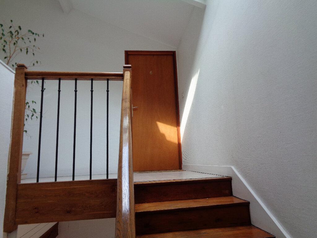 Appartement à louer 1 48m2 à Reims vignette-12